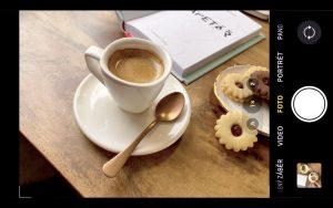 Fotografování jídla v kavárně